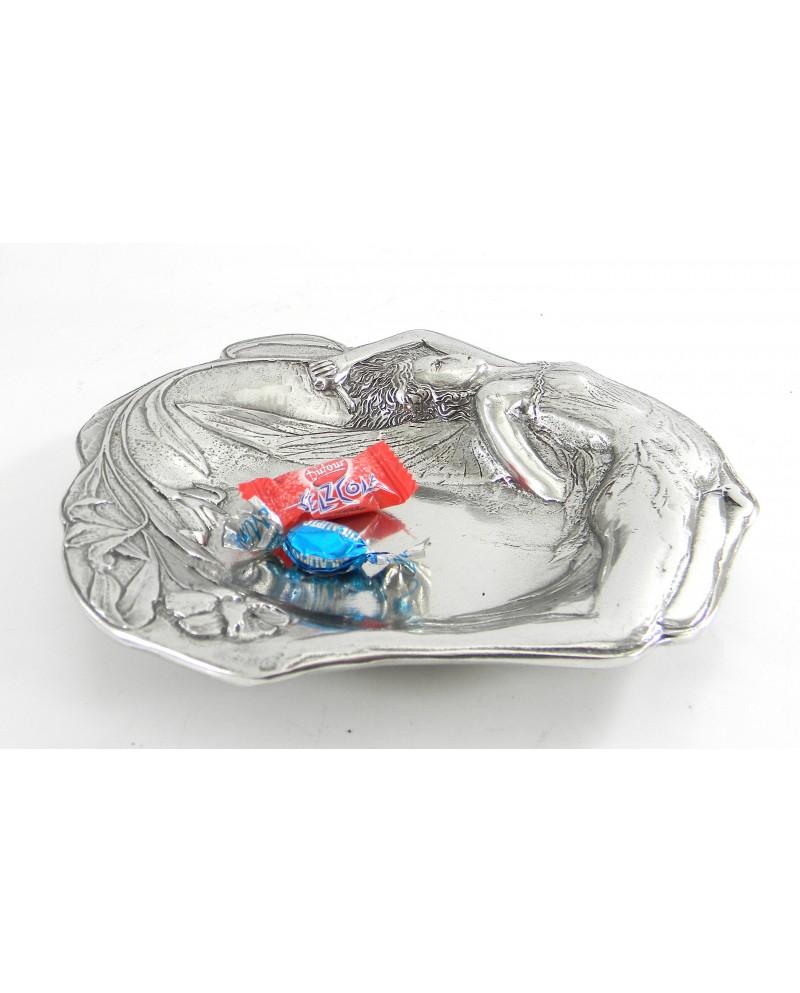 Venus pewter bowl   dimensions: 19 x 18 x 3 cm