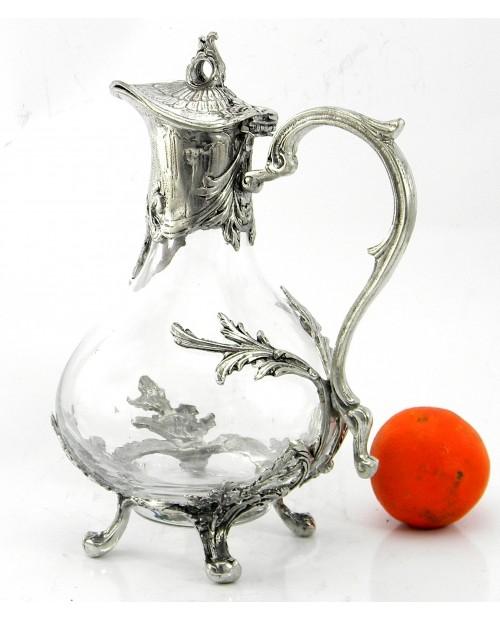Kleine Freiheitsflasche. Elegante und elegante Flasche für Wein. Handgemacht in Glas und Zinn