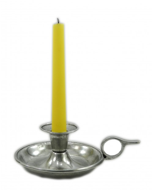 Candle holder, in solid and resistant metal. Decorate your home for Halloween