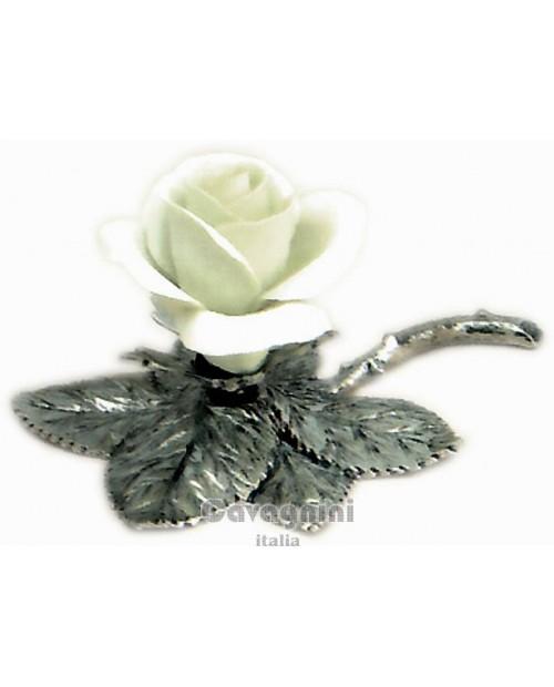 Rosa in ceramica da tavola bianca